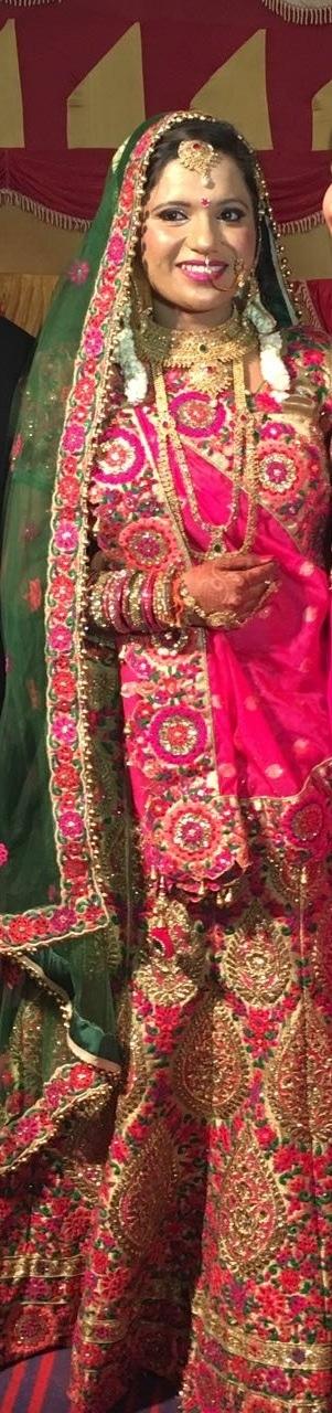 #multicolorlehenga #bridallehenga #bridesdiaries #bridal-jewellery #bridal-fashion-designer #noredlehanga #pinkgreen #pinklehanga #doubledupatta  #bridal