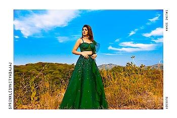 The gorgeous @saloniseh stuns in #SprinklebyNityaBajaj  Painting a beautiful picture in Udaipur, the Emerald makes a beautiful contrast. Outfit @labelnityabajaj  Shot by @siddnagar  Shop us at #NityaBajaj  #LabelNityaBajaj #emerald #sparkle #sprinkle #sprinkleawf19 #autumnwinterfestive2019 #AWF19 #greenlehenga #greensequins #green #lehenga #wedding #bridal #blogger #weddinglook #bloggerstyle #vlog #indianwear #indianlehenga #modernlehenga