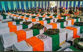 Feb - 14:  Valentine's Day ❌ Black Day ✔  Remembering our heroes...Salute our Martyrs of  #PulwamaAttack #Respect 🙏🏼🇮🇳🇮🇳