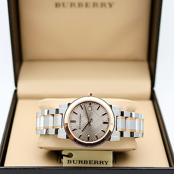 🌟 Burberry Originals Rose Gold Silver Available & Ready to ship today 🌟  #Burberry #For Her #Original Model #Case Diameter-34mm #Feature-Working date, Original Japanese Machinery, rose gold with silver stainless steel Metal chain with beautiful brown dial & Slim fit design  *dm or whtspp to place an order*  Guaranteed Features 👇🏻  - Original japanese machinery - High quality rose gold rust free chain - Original model - Sapphire Crystal Glass #burberrywatch #burberrywatches #watches #watchporn #watches #watches⌚ #watchesforwomen #women #womenfashion #fashion #watchtime #watchlover #watchoftheday #watch #india #Gujarat #Ahmedabad #surat #Like #follow @irshuscollection
