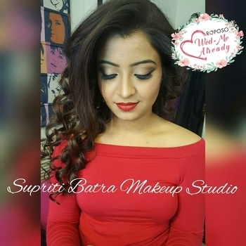 Some pretty minimal makeup for this gorgeous with curled hair. Subtle gold eye never goes wrong and dewy Makeup forever HD foundation with red lips.  #wedmealready #weddingseason #makeuplove #makeupaddict #makeupjunkie #bestmakeupartistingurgaon #bestmakeupartistindelhi #allaboutbrides #makeupmafia #anastasiabeverlyhills #beccacosmetics #makeupforeverhdfoundation #maccosmetics #thedelhibride #bestmakeup #makeupartist #supritibatra #makeupstudio #gurgaon #wedmealready