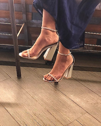 Delicate and feminine, these Statement Block #INTOTOs are a must have style for all fashionistas  . . .  #fashionforall #globaltrends #trending #shoelove #designershoes #newcollection #INTOTOxKOOVS #brandshop #partywear #new #weekendwear #elegant #stylefile #shiny #weekendfashion #whatshot #shinyheels #newshoes #trends #minimal #blockheels #shinyshoes #party #strappys #highheels #koovs #funky
