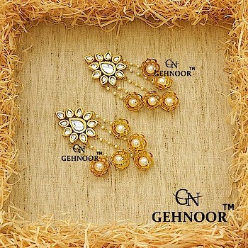 Earrings that just make the entire day totally worth it! 💞 . Gorgeous Combination of Flower Jhumkis and Pearl Tassels for the perfect Statement Look! 👑 . Grab these at an amazing price! 💎 . Link in Bio! 💚 . www.gehnoor.com 💻 . FREE SHIPPING anywhere in India 🚙 . Cash On Delivery Available across India 💲 . WhatsApp at 07290853733 📱 . www.facebook.com/Gehnoor/ . gehnoor@gmail.com 📝 . #goldjewellery #kundan #kundanjewellery #indianjewellery #india #indianbride #indianwedding #asianwedding #traditionaljewellery #jewelry #jewellery #onlineshopping #shopping #jewellerygram #photooftheday #postoftheday #everydayphenomenal #usa #canada #uk #saudiarabia #uae #gehnoor #necklace #earrings #jhumki #tassels #tasselearrings #pearls #pearl