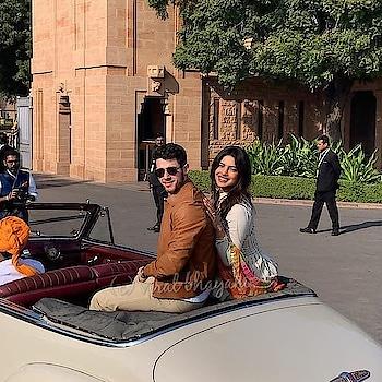 #nickjonas  #priyankachopra  in a vintage car at #umaidbhawanpalace #wedding-bride #wedding #umaidpalace #jodhpur #bollywood #love #dance