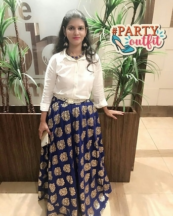 #partyoutfit #ootd #ootn #outfitoftheday #style #shirtlehenga #indowestern #casualoutfit #partylook #partyootd #indianlook #indianwear #chiclook #smartlook #diva #fashionblogger #soroposo #roposotimes #roposolove #blueskirt #foilprint #lehenga