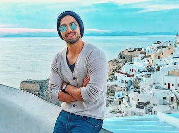 Himansh❤ #styles #roposo-style #styling #summer-style #fashion #be-fashionable #fashionables #himanshkohli #nehakakkar #neha #new-style #greece #greecelove #weather #nature #beautiful-life #blue #bluesky #blue-coloured #blue-lover #clouds #cloudy #cloud_skye