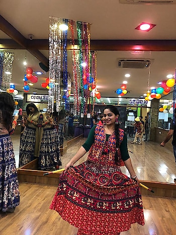 Day 3: Garba look . #festivelook #rangoli  #fashionquotient  #traveldiaries #musafir #fashionquotient  #rangoli #filmistaan #ootn #topnotch #roposostars  #trending #fashiondiaries #roposotalks #ropsocontests  #ootd #fashionblogger #captured  #roposo-photoshoot #photography #delhibloggergirl  #twinklewithmystyle #wow #beats