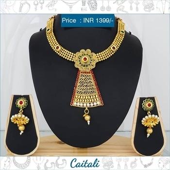 Traditional Designer Necklace set #price : INR 1399/- #shopnow : https://goo.gl/pLvwMW #whatsapp : 7574005500  #flower #pearl #design #chocker #style #unique #design #pendant #tribal #designer #necklace #set #jhumkis #indian #wedding #fashion #roposofashion #caitali #online #shopping #roposowedding #roposojewellery #roposoblog #soroposo #roposolove