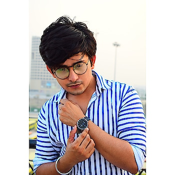 #rishabhtiwari #pose #actor