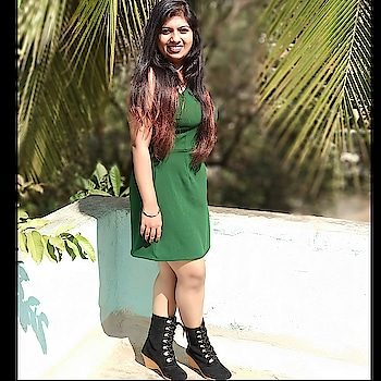 New year look #greendress #onepiece #black #boots #bootslove #blackboots #dress #shortdress #newyear2018 #newyear #longhairdontcare #longhair