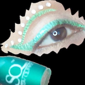 This StayQuirky badass green liner is 💚💚💚💚💚 . . #stayquirky #chennai #chennaiyoutuber  #instadaily #instaposts #instalike #instapics  #makeupandwakeup #instapic #instalikes #instadaily #instabeauty #beautymania #beauty #makeupbyme #eyeliner #eyemakeup #makeuptutorials #makeuplover #makeuplife #instamakeup #instalook #picoftheday