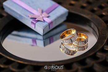 Rings Reflection! 💍 #ringphotography #photographer #jewleryphotography #reflection #box #couplering #gift #jewellery #love #promise #foreverring #photography #jewelry #weddingphotography #weddingbands #concept #creative #bling #accesories #roposo-style #roposo-good #roposodaily #productphotography #surat #wishlist #ribbon #jewelryoftheday #jewelrylovers #jewelryblog