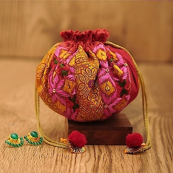 Add some sparkle to your wedding by gifting this all new range of Phulkari potlis 🎉  This round shaped tasseled potlis will be loved by all 😍  DM to order 💌 Special discount for bulk orders!  #asees  #phulkari  #colorful #phulkaripotlis #totebags #travelkit  #tablerunners  #keychainsintotrendybracelets  #slingbag-summer  #zippouch   #threadwork  #festivegifting  #feativeseason  #weddingfavours  #weddinggiftsforgroom  #wedaboutbride  #weddmegood   #bridetobe2019   #favors  #colorfulpotlis #phulkaripouches #phulkari_collection #traditional_phulkari #indian_phulkari_designs  #ethnicbags  #ethnicaccessories #phulkariaccessories