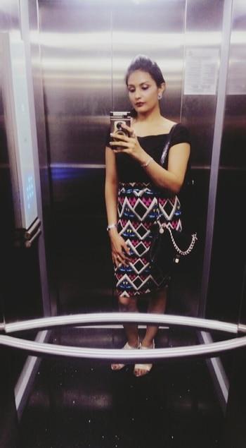 #aboutlastnight #weekendfun #aselfieaday #elevatorselfie #aztecpattern #skirt #offshouldertop #fashionquotient #fashionistadiaries #trendingnow