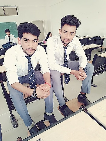 ##college time enjoy with friends