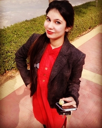 #officelook  #redlove  #smoothiewinter #sunnymorning