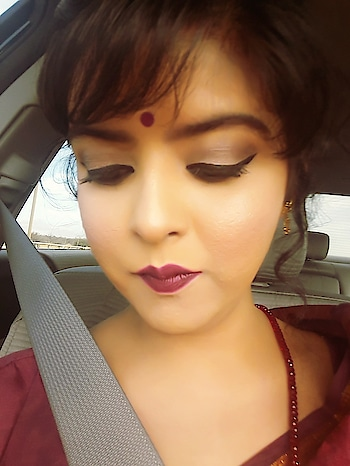 #traditionallook  #saraswatipuja #saree #kanjivaramsaree  #wingdliner #boldlipstick #loadsofhighlighter #blush #smokeyeye #bong #bengali #bongconnection #usa