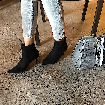 Chelsea boots are perfect for adding panache to an everyday look  . . .  #INTOTOs #globaltrends #fashionforall #shoelove #trending #womenswear #designershoes #dailyfashion #shoefie #daylook #newcollection #INTOTOxKOOVS #brandshop #elegant #everyday #whatshot #stylefile #blackheels #collegewear #trends #black #newshoes #kittenheels #minimal #shortheels #pointedtoeheels