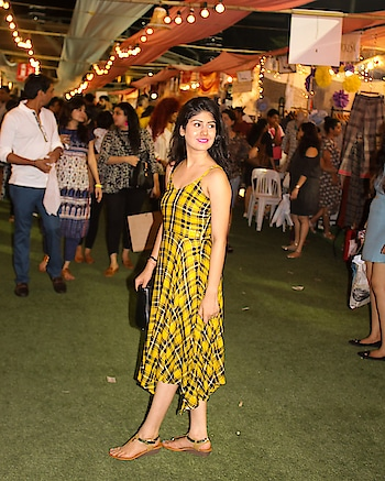 Aint these flea markets the prettiest place to be at. Happy faces around. Feels like a fairytale sometimes 🌸🌈 Also, wore this summer dress from @westsidestores for the second weekend of @thelilflea . Tartan patterns never go off trend! 👯‍♂️💛  #sobersubtle #blogger  #mumbaiblogger  #fashion  #springsummer  #springcolors  #checksandbalances #checkstory  #tartan  #hudabeauty  #fleamarket  #fleaple  #fashiongram  #fashionbloggerindia #westsidestory  #westside   #indianblogger  #bloggersofindia  #indianfashionblogger  #ootd  #ootdfashion  #plixxoinsider  #plixxo  #thebnbmag  #moodygrams  #igers  #igersdaily #igersmumbai