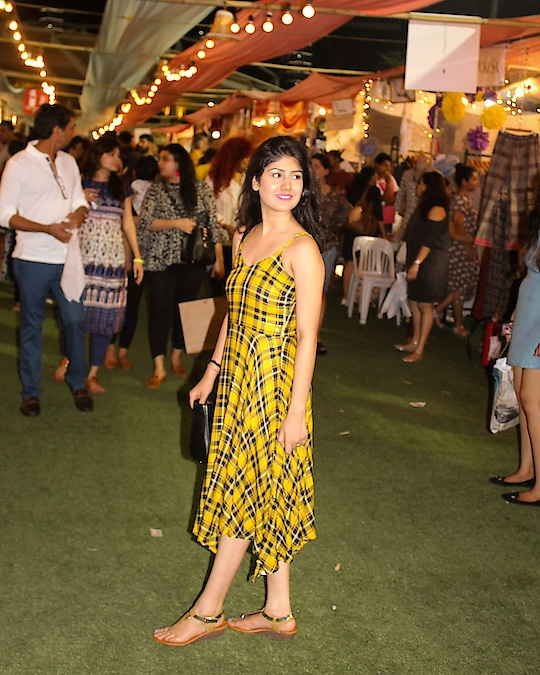 Aint these flea markets the prettiest place to be at. Happy faces around. Feels like a fairytale sometimes 🌸🌈 Also, wore this summer dress from @westsidestores for the second weekend of @thelilflea . Tartan patterns never go off trend! 👯♂️💛  #sobersubtle #blogger  #mumbaiblogger  #fashion  #springsummer  #springcolors  #checksandbalances #checkstory  #tartan  #hudabeauty  #fleamarket  #fleaple  #fashiongram  #fashionbloggerindia #westsidestory  #westside   #indianblogger  #bloggersofindia  #indianfashionblogger  #ootd  #ootdfashion  #plixxoinsider  #plixxo  #thebnbmag  #moodygrams  #igers  #igersdaily #igersmumbai