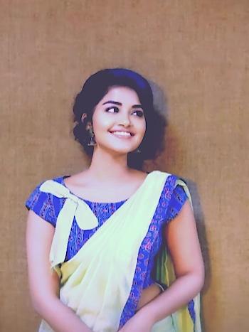 #anupama #anupamaparameswaran #premam #curlyhair #hairlove
