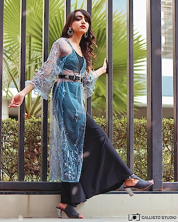 Ruffles and pearl wedding seasons essential// Wearing this grey shrug from @stalkbuylove. . . 📷- @callisto_studio . . #fashionblogger#fashioninfluencer#personalstyle#lifestyleblogger#suratblogger#indianblogger#fashioninspo#ruffles#pearl#weedingoutfit#lovethedetailings#greyshrug#postoftheday#waitforit#instamood#instagood#riyalekhadia