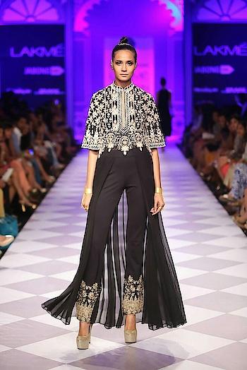 Anita Dongre 2014 collection... > > > > #womensfashion #womensstyle #fashionforwomen #blog #blogger #fashionista #accessoreries #designer #luxury #lifestyle #couture #ootd #picoftheday #dress #shorts #heels #shoes #adityathaokar #maleblogger #indianfashionblogger #winterstyle #fall #fallfashion #streetstyle #model #anitadongre #black #weddingseason #indianfashion