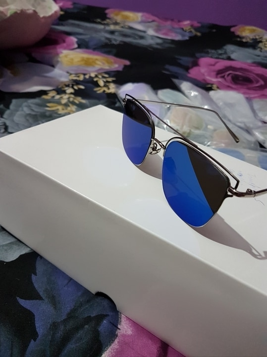 Beautiful goggles at very cheapest price  PRICE RS 450/ONLY