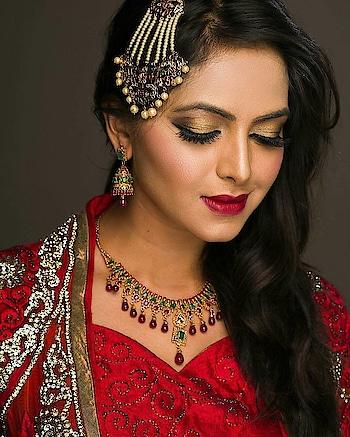 #indiandesign  #indianculture  #saree-in-new  #saree  #jewelleryme  #reddress