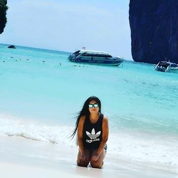 Thailand #phiphiisland #pose #traveldiaries #beachvibes #beachholidays #travelpic #traveller #wanderlust #bluewater #indianocean #travellove #roposopic #roposolike #roposodaily #ropososhare #roposopost