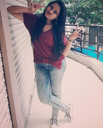 Shit!! I used to trip on!😉😛 ❤I walk over now😎✌ . . #crazypose #crazyforever♥ #happysouls  #positivevibes #happilyalone #foreverhappiness #happysouls #positivevibes #beyourself❤️ #beingrealgetsyouhated #smileitout #makethemjealous💯 #messyhairdontcare #lovebeingme❤️ #betruetoyourself #selfobsessed #lovetobeme #positivevibes #beingrealgetsyouhated #instadaily #Instagram #instapic #instafam #bloggerstyle #blog #tbt #likeforlikes #followforlikes