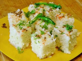 A nice variation to regular dhokla.. Its Upvas Dhokla.. A good snacks option.. #foodpics #foodiesofindia #dhokla #fasting  http://www.madhurasrecipe.com/snacks/Upas-Dhokla---Marathi-Recipe