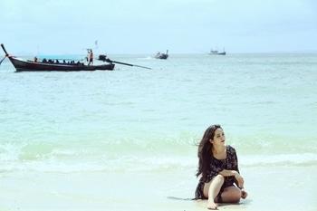Beach holiday..#krabi #krabithailand #fourislands #vacaymode #vacationmode #thailand #travel #traveldiaries #beach #sunnsand #beachbum #sea #blue #bluewater #holidays #travelpic #wanderlust ##travellove #Traveldiaries #vacationlook #soroposo #roposoaddict #roposomood #roposodiaries #beingbeautiful #lookyourbest #styleblogger