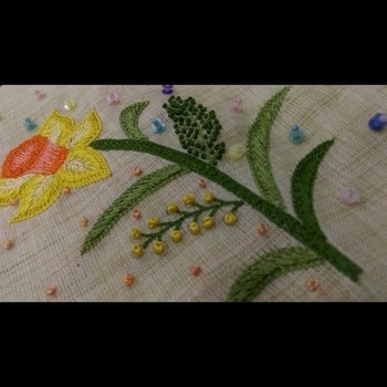 Every flower is a soul blossoming in nature. #flowers #daffodils #motif #handembroidery #reshamthread #beads #frenchknots #blackandwhite #gradiation