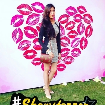This is what I wore for the POPxoLoveFest 💕. Do you want a detailed blog post on LoveFest then comment down below. #soroposo #roposofashionblogger #roposodelhi #fashionista #POPxoCampus #PopxoBlogger #popxoblognetwork #poutperfect #maybellinenewyork #delhiblogger #fashionblogger  #lovefest #lovefest