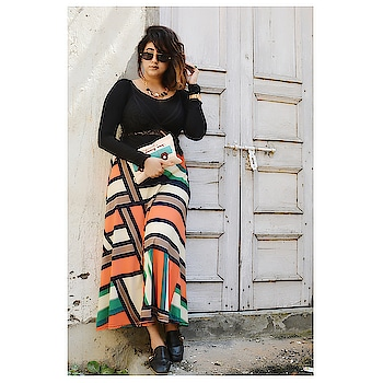 Swag and Smile HAND IN HAND... New post on my blog would be up soon ... #fashionblogger .  PC : @stylerob @fashioncoursemeal . #mua : @makeoverbycg .  #BloggingGals #BloggersBlast #fashion #bloggers  #fashionista  #2018  #photography  #ootd #ootdfashion  #summer #fashion2018  #streetstyle #fashionista #indianstyleblogger #india #indianblogger  #instafashion  #skirt #bralette #guesswatches #black #swag #fashionkilla
