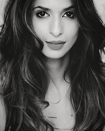 #sandhyashetty #model #actor #anchor #compere #karate #boldisbeautiful #mystyle #nofear #lifeisbeautiful #commonwealthkaratechampion2015 #fitness #style #fashion #makeup #hair #redhair #sports #india #womanempowerment #beyourself #SAKFchampion2017 #indianmodel #supermodel #lovelivelaugh #blackandwhite