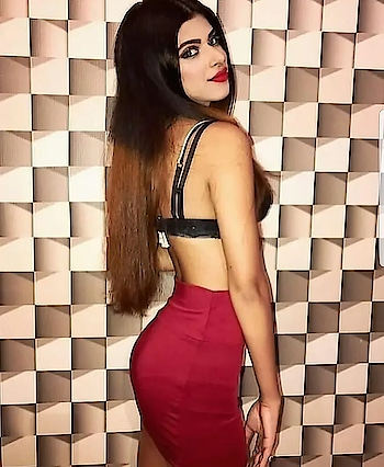 sexy red skirt #tight #red #skirt #skintight #skin-tight #mini #miniskirt #redskirt