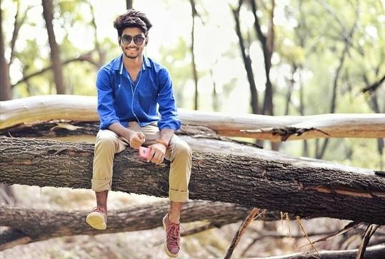 #cool #funky #funkyfashion #funkyntrendy #smile #smileday #blue #bluelove #kumargautam #kumaarphotography #kumaar #photoshoot #smileinstyle #coolstuff #styling #posing #fashion #shoot