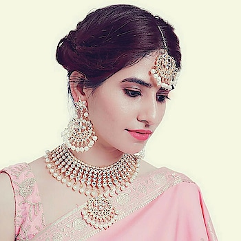 jewelry shoot  #jewelrygram #bridal-jewellery #designerjewelry #indianjewellery #fashion #women-fashion #makeup #ropomakeup #roposaree #artist #roposo #roposlove #modelphotography #delhimodels #photogram #photo-shoto