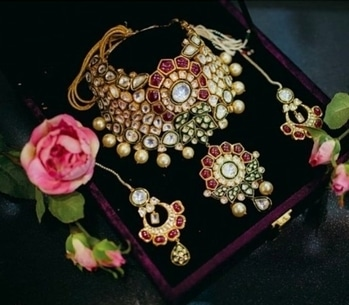 In love with this masterpiece.... #jewelrydesign #wedding #ornaments #earrings #bridaljewellery #jewlerylove #loveforfashion #bridesofindia