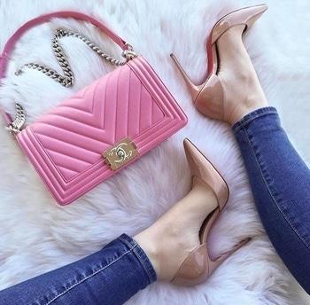 Glossy heel👠#CHANELBAG👜 #heels