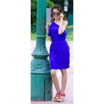 One Side Shoulder Dresses Are A New Trend These Days. Well Yes My New Blog Is About One Side Shoulder Dresses. Please Do Look Into It And Do Not Forget To Like, Comment, Follow And Share My Blog. Dress Bought From @jabongindia 😚   https://worldoffashionandcosmetics.blog/2017/10/04/the-one-shoulder-trend/  #onesidedshoulder #oneshoulderdress #newtrendsinfashion #stylefashion #trendyearings #blacksunglasses #colourfulwedges #blogger #indianbeautyblogger #indianblogger #be-fashionable #kolkatafashionblogger #instablogger #roposoblogger #roposolove @jabongindia