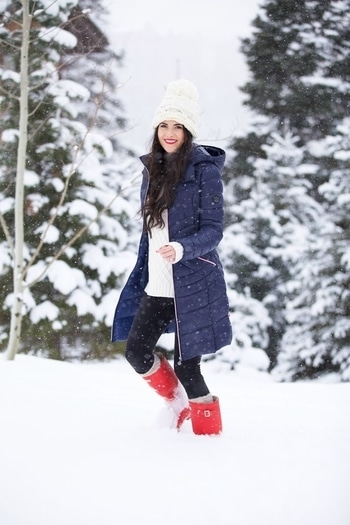 #snowwhite #redlipcolor #coolcasuals #weather #lovable #classylook #cooliyo #staybeautiful #stayhot #staytuned #stayconfident #loveroposo
