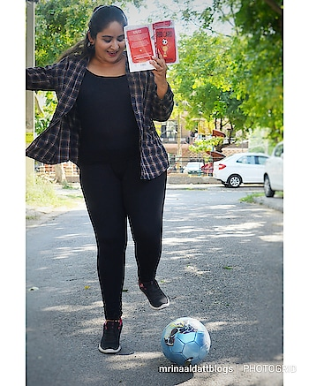 New blog post alert! Love football or reading? Or both? Then this book review is just for you! Direct link in bio. . . . #mdblogs  #bookblogger  #chandigarhbookblogger  #chandigarhblogger  #football  #footballer  #sportscar  #mumbaibookblogger  #bookstagram  #indianfashionblogger  #tbr  #readersofinstagram  #candid  #bookreview  #influencer  #sportsphotography