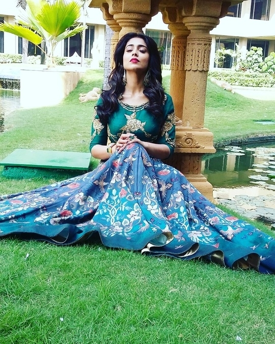 The gorgeous Shriya Saran in a peacock hue of sunshine wearing a digital printed full skirt and emerald gold embroidered top by Falguni & Shane Peacock. Celebrity collection shoot #Behindthescenes #Mumbai #fashionblogger #jetsetbrand #bosslady #thinkgeekmedia  For Stylist, MUA, Photography inquiries: etheldacosta@gmail.com