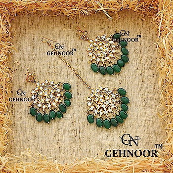 Our Super Pretty Semi Precious Emerald Studded Earrings & Maangtika! 💎☺ . Can be customised in any colour💟😍 . Grab these beauties at affordable prices 💎 . www.gehnoor.com 💻 . FREE SHIPPING anywhere in India 🚙 . Cash On Delivery Available across India 💲 . WhatsApp at 07290853733 📱 . www.facebook.com/Gehnoor/ . gehnoor@gmail.com 📝 . #bride #goldjewellery #kundannecklace #traditionaljewellery #happy #wedding #celebritywedding #destinationwedding #indianbride #bridechilla #photooftheday #instabride #bridalwear #bridaljewellery #lehnga #igers #tags #like #likeforlike #followfollow #followus #followback #gehnoor #earrings #maangtika #chandbali #emerald #kundan