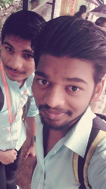 Exam vali selfie