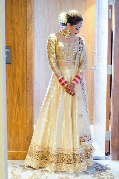"The ""GoLDeN BriDe"" Luvd evrything about dis Bride.. #bride #beautifulbride"
