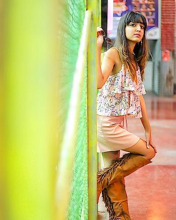 Life just gives you what you want✨ . . . #fashionblogger#suratblogger#lifestyleblogger#fashioninfluencer#bloggerlife#fashionispo#fashiongram#dowhatmakesyouhappy#livelifehappy#riyalekhadia